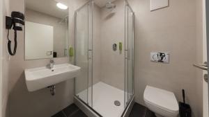 4-Bett-Zimmer mit Dusche/WC