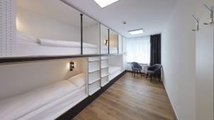 4-Bed-Room